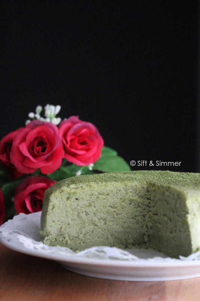 Cut Matcha Cotton Cheesecake.